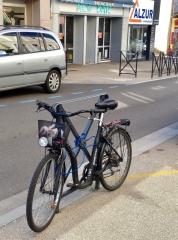 vélo accroché.jpg