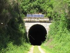 tunnel de biounac -entrée.jpg