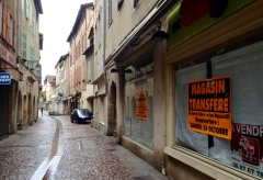 Figeac - Rue d'Aujou -Commerces.jpg
