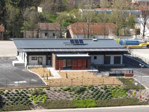 ombrière-photovoltaïque - cuisine centrale.jpg