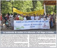 La randonnée de soutien à la véloroute à fait étape à Livinhac.jpg